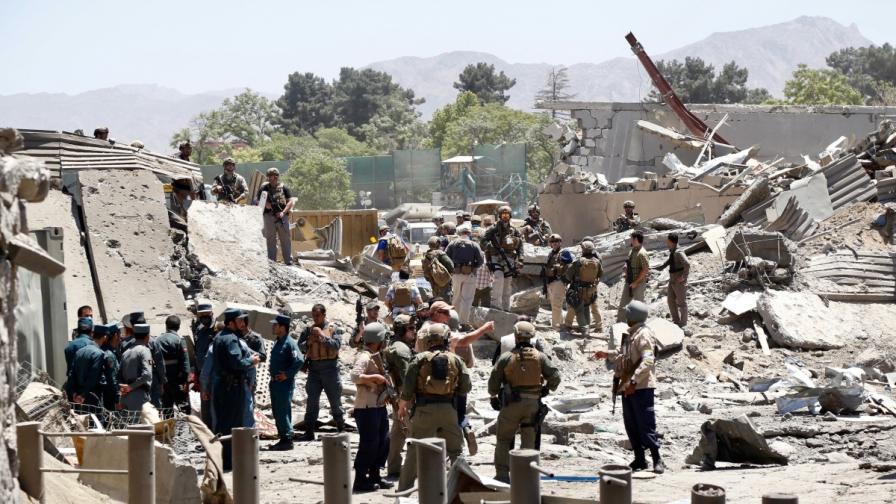 Атентатът в Кабул се усети далеч извън Афганистан