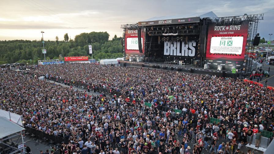 """Посетителите напускат концертната зона на """"Rock am Ring"""" заради терористичната заплаха"""