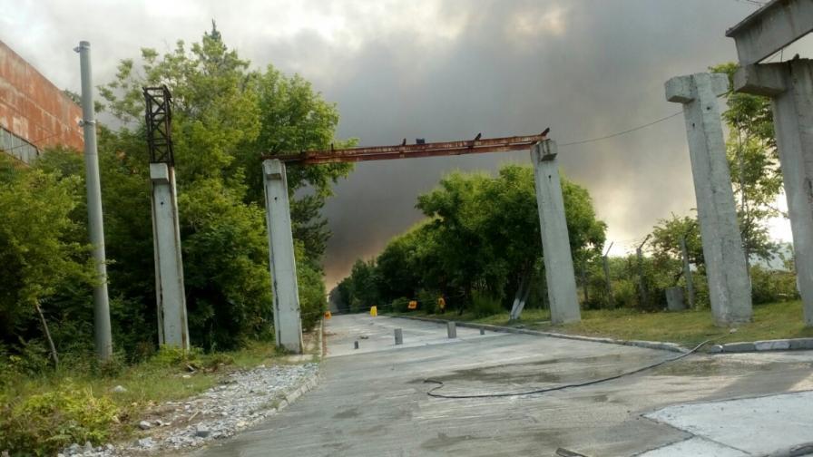 Кошмарна нощ в Пловдивско, черен дим над къщи