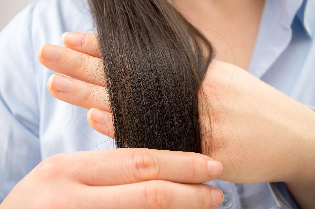 3. По-здрава коса и кожа -яйцата са източник на витамин В комплекс, който заздравява косата, полезен е и за кожата.Фосфолипидите, съдържащи се в яйцата пък стимулират премахването на токсините от черния дроб.