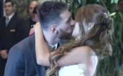 Първата официална целувка на семейство Меси /видео/
