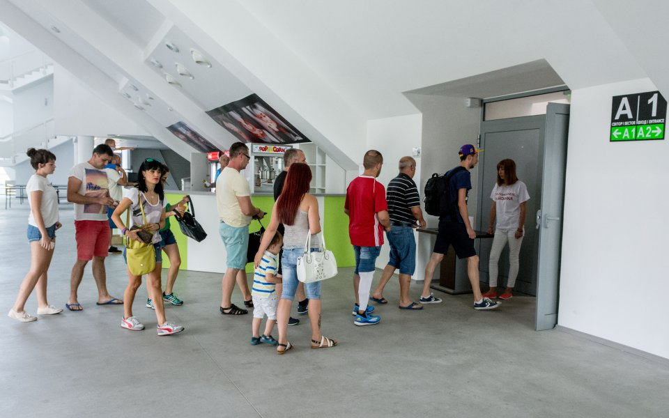 Комплекс с басейн, хотел и СПА ще допълва Арена Ботевград