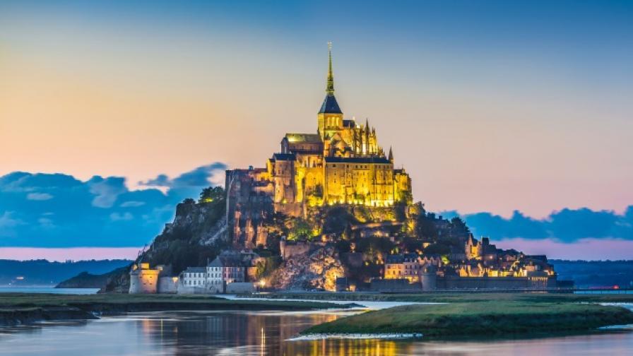 <p><strong>Най-интересният и тайнствен</strong> остров във Франция</p>