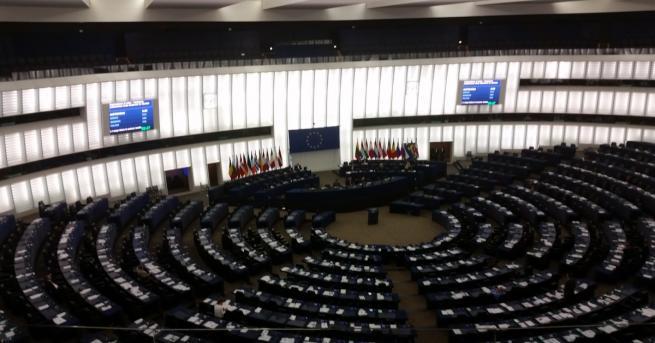 Европейският парламент днес одобри ревизираната директива за командироването на работници