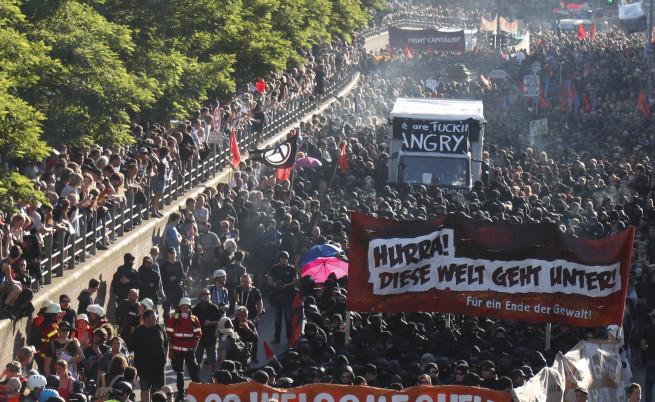 Протестите в Хамбург преди откриването на срещата на Г-20