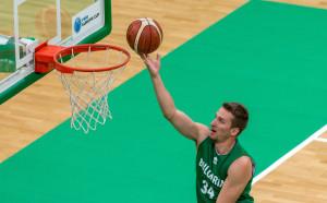 Митко Димитров отново тренира с националите по баскетбол