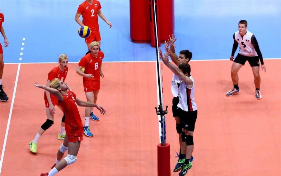 България остана с шанс само за бронз на ЕП до 17 г. по волейбол