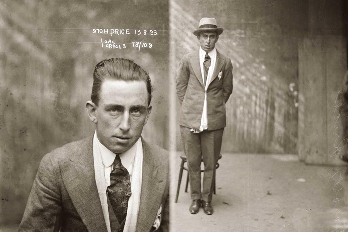 Харолд Прайс е крадец и гангстер. Арестуван е, след като е заловен при извършването на грабеж в къща в Сидни.