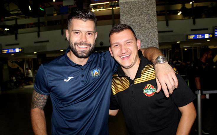 Топла среща между Левски и Ботев на летището