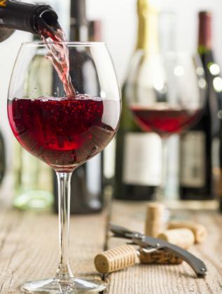 Една чаша вино – 175 милилитра, съдържа 160 калории или приблизително толкова, колкото едно кафе лате.