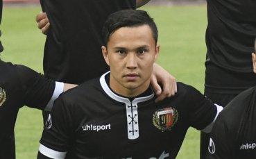 Умарбаев преподписа с Локомотив Пловдив