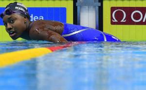 Симоне Мануел с титлата на 100 метра свободен стил
