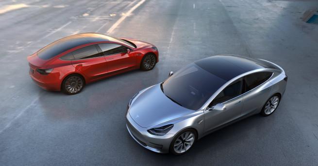 """Американската компания """"Тесла"""" (Tesla) пусна на пазара дългоочаквания си """"Модел"""