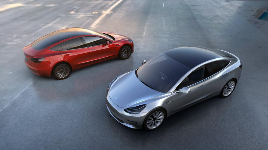 """Новият """"Модел 3"""" на """"Тесла"""" е най-достъпният електроавтомобил, изкарван от компанията на Илон Мъск"""