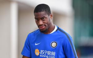 Кондогбиа с нов договор с Интер преди да премине във Валенсия