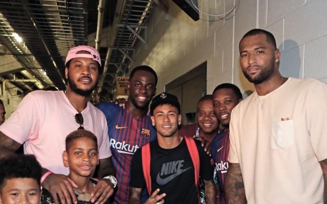 Неймар и баскетболистите в Маями<strong> източник: instagram.com</strong>