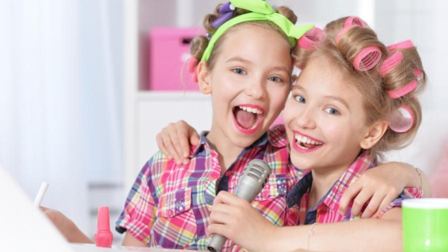 Конкурс подготвя деца за влогъри
