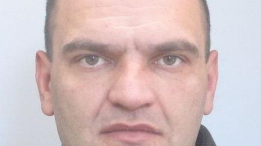 Издирват мъж, избягал от психиатрията край Ловеч