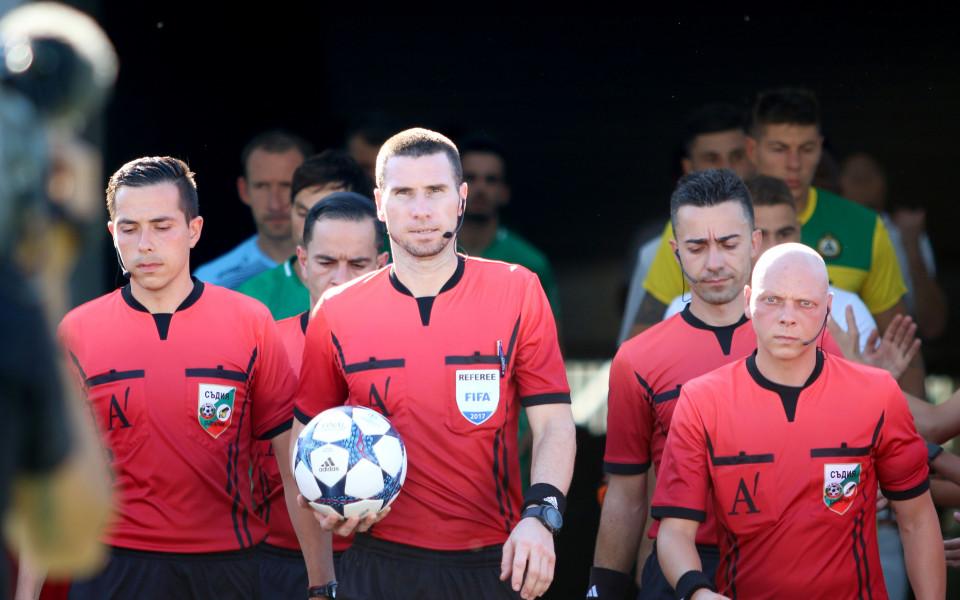 Страхотно признание за Кабаков -  може да свири в елиминациите в Лига Европа