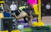 Чисто гол мъж прекъсна финала на 100 метра<strong> източник: Lap.bg, Илиан Телкеджиев</strong>