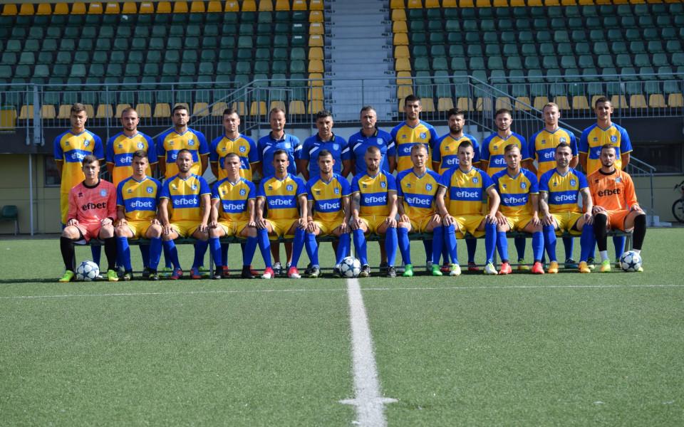 От ФК Поморие се похвалиха с нова екипировка