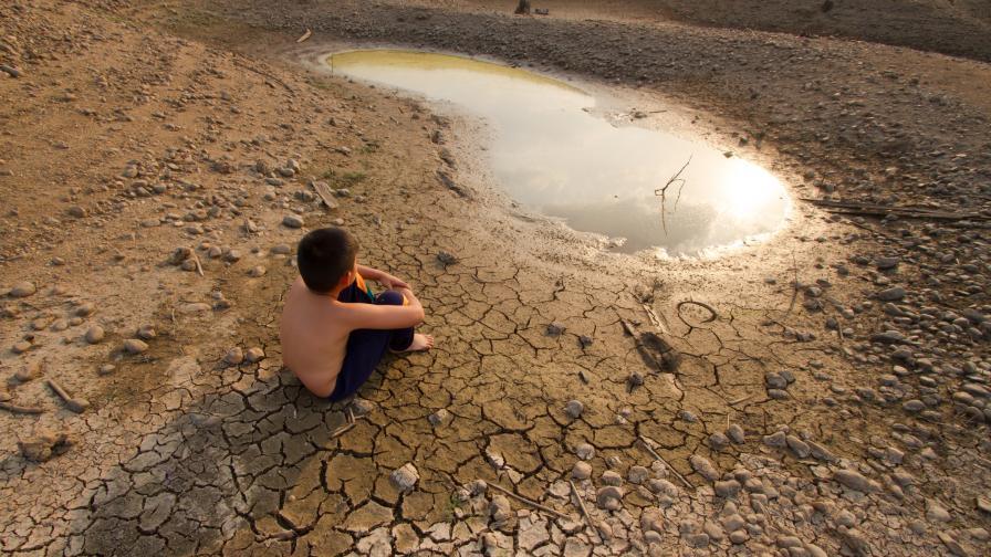 Светът има само три години, за да намали емисиите на въглероден диоксид, преди да стане прекалено късно.