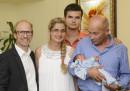 Малкият Николай, роден в самолет, е вече в България
