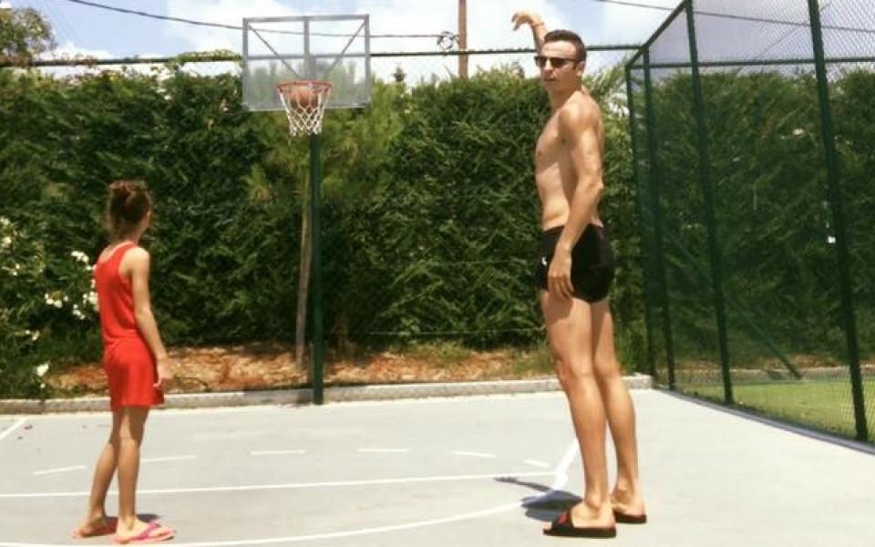 Бербо разпуска с баскетбол