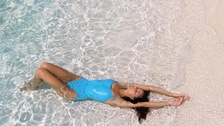 Море жена плаж лято