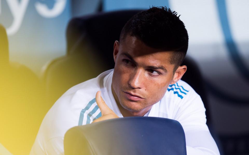 Неукротим Реал, Барса на колене на
