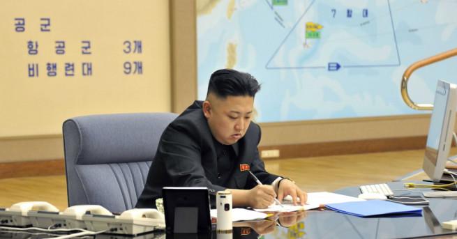 Снимка: Ким Чен-ун нареди армията да е готова за удар по Гуам