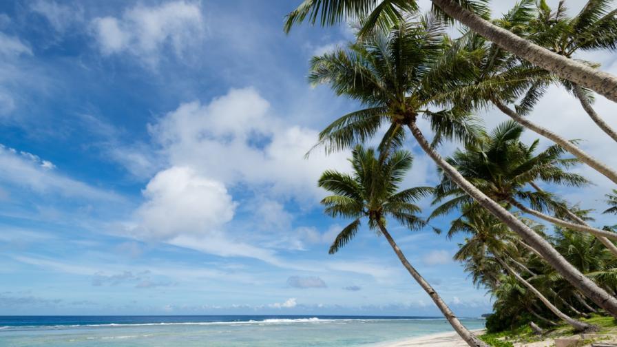 Плажът Gab Gab, остров Гуам
