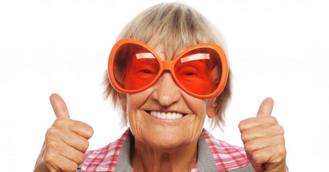 Баба на 107 години от Великобритания приписва дълголетието си на
