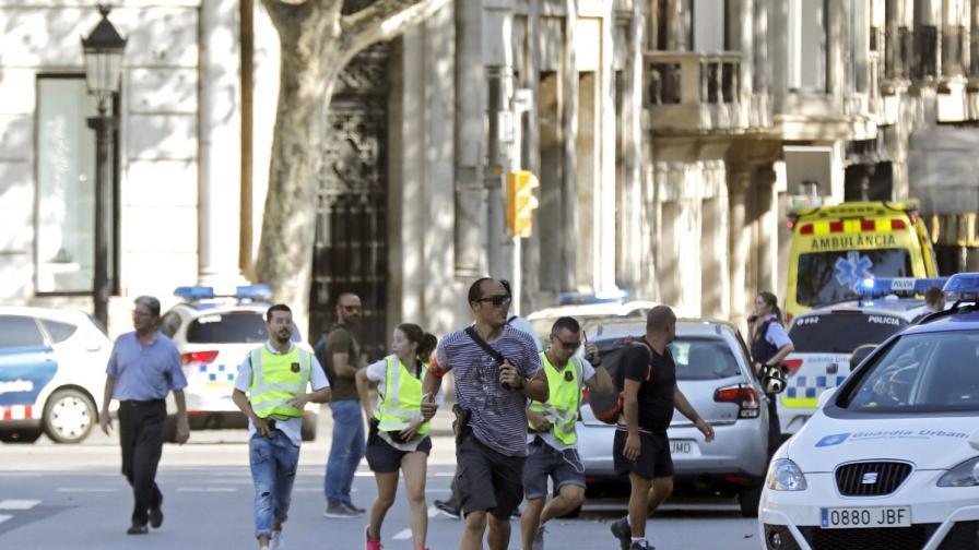 Поне двама от нападателите в Барселона са ходили в Париж