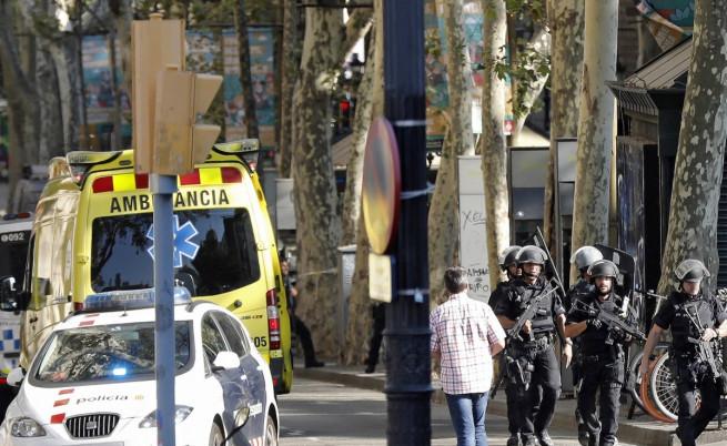 Българка в Барселона: Затворени сме в мола