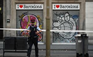 Мачовете във Франция ще започнат с минута мълчание