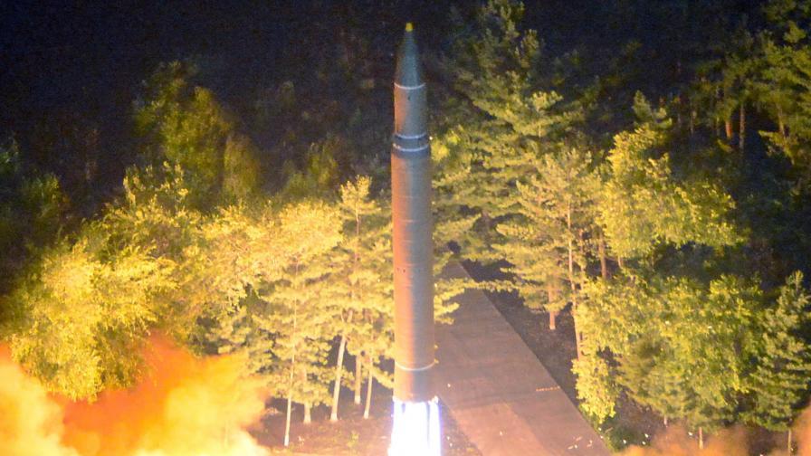 Изстрелването на севернокорейската балистичната ракета, която прелетя над Япония