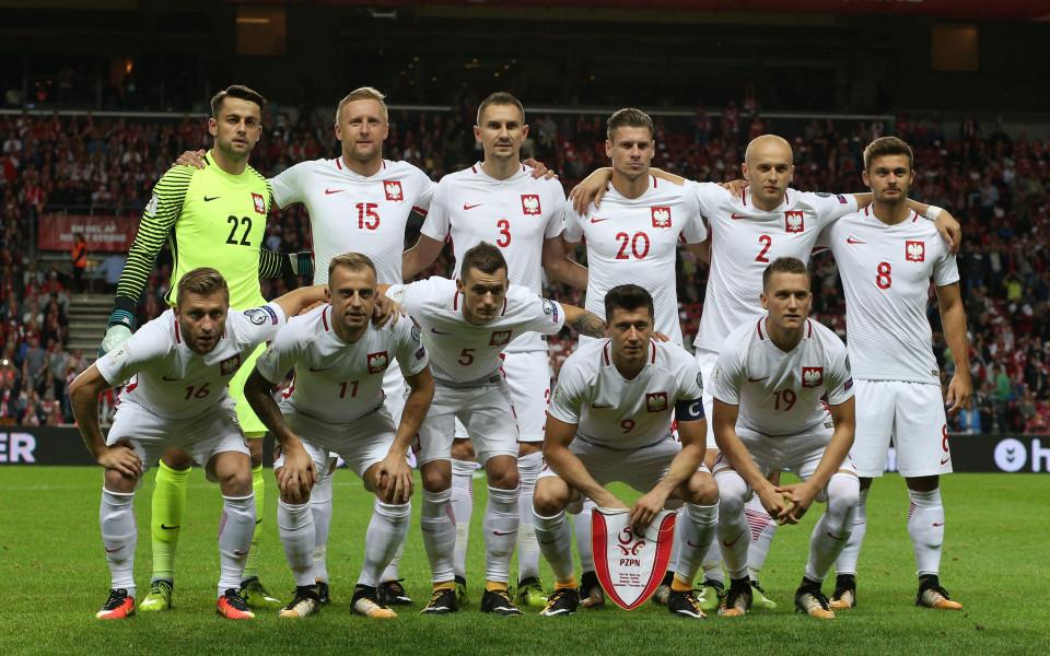 Полша запази върха в група Е, Йоветич измъкна Черна гора