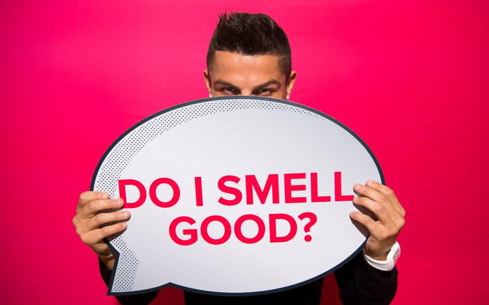 Роналдо със собствен парфюм, стана и диджей