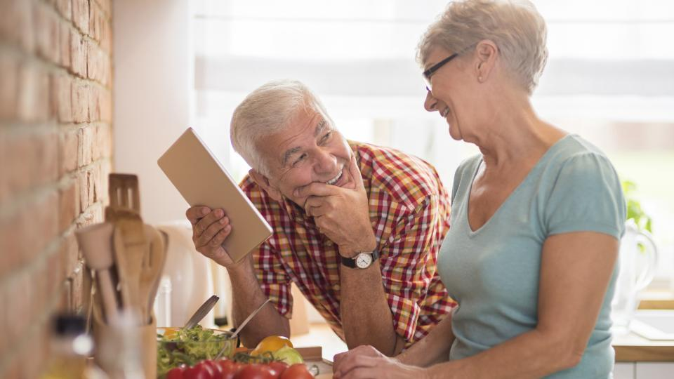 Възрастта, на която мъжете и жените са най-скучни, е...