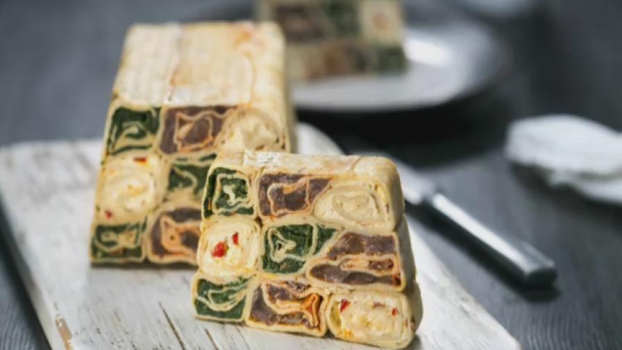 Солена палачинкова торта за специални поводи