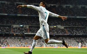 Роналдо бесен, иска повече пари от Реал заради Меси