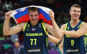Словения хвърли бомбата, изрита Испания и е на финал