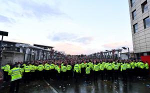 УЕФА започна разследване на ексцесиите преди Арсенал – Кьолн