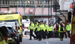 Армията излиза по улиците на Лондон