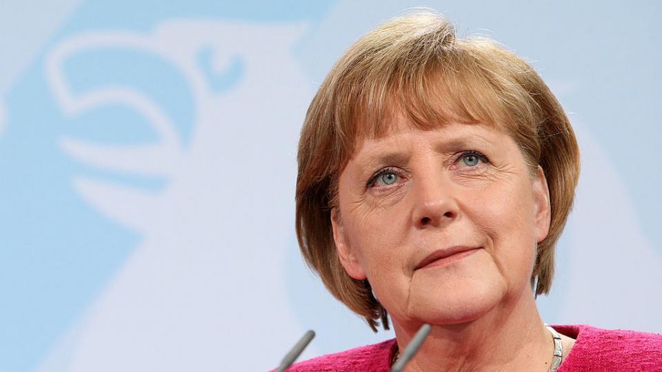 """Една безлична физиономия и мизерен гардероб - """"Казвам се Ангела Меркел"""""""
