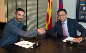Легендата Наваро подписа нов дългогодишен договор с Барса