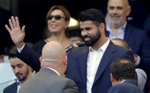 Феновете на Атлетико приветстваха бурно един от любимците си