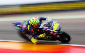 Роси се завърна на пистата с трето място в квалификациите в Арагон