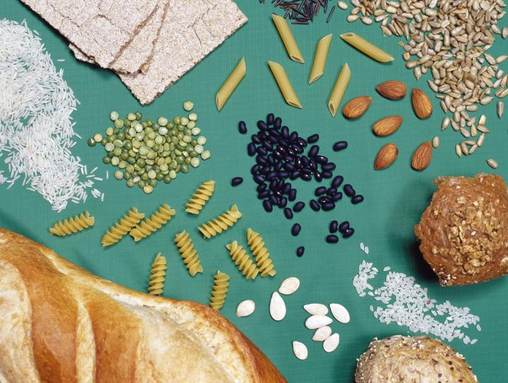 <p><strong>Пълнозърнести&nbsp;храни </strong></p>  <p>Пълнозърнестите храни са здравословен източник на сложни въглехидрати,които се разграждат до глюкоза - източник на първична енергия за мозъка. Тъй като пълнозърнести храни се разграждат бавно,енергийните им ефекти продължават часове.</p>